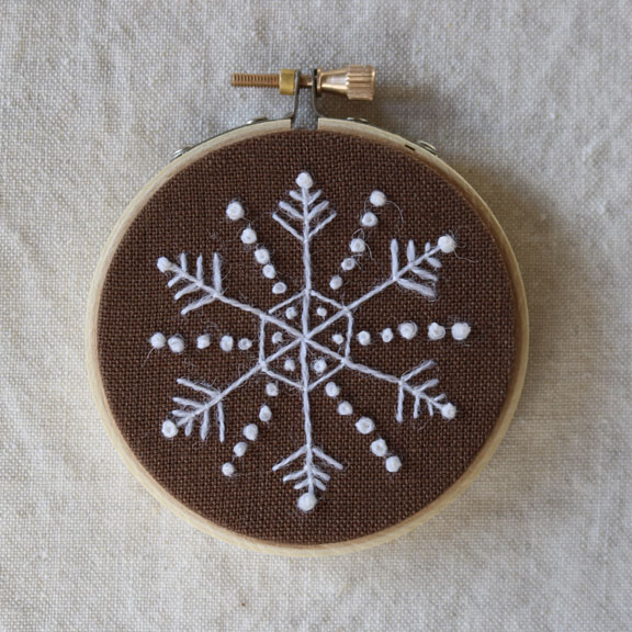 crewelkits_Gingerbread-Snowflakes_14
