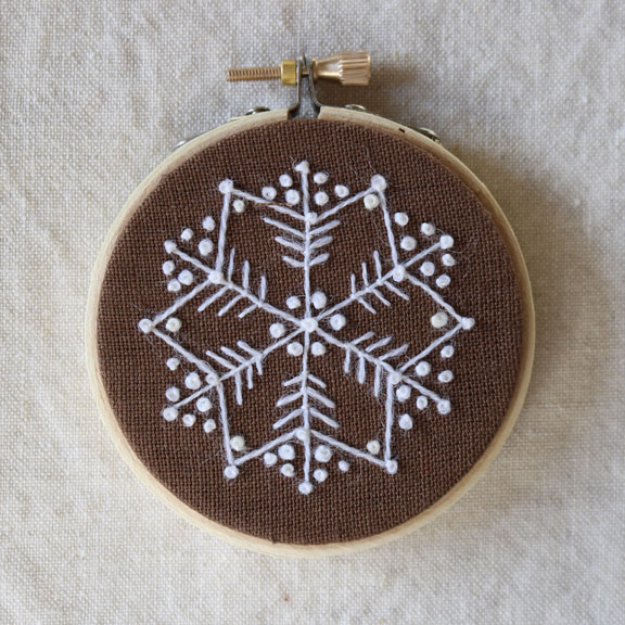 crewelkits_Gingerbread-Snowflakes_15