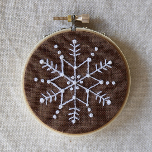 crewelkits_Gingerbread-Snowflakes_16