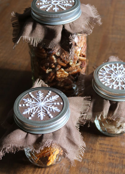 crewelkits_Gingerbread-Snowflakes_6